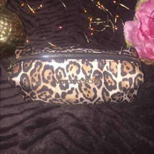 Victoria's Secret Handbags - Victoria Secret's Cheetah Print Makeup bag