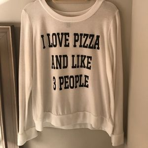 """Forever 21 """"I love pizza and like 3 people"""""""