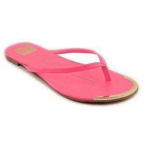 DV by Dolce Vita Shoes - New! 🎉 DV Dolce Vita Dania flip flop pink size 8