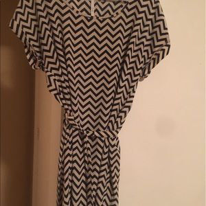 Women's chevron dress sz l