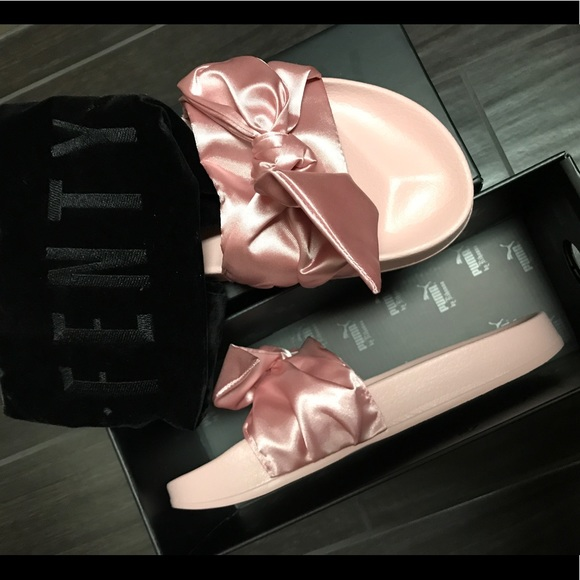 reputable site c93a0 dcbc0 Pink Fenty Bow Tie Slides NWT