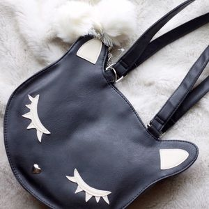 💣 Black Cat w/ Lashes Vinyl Shoulder Bag