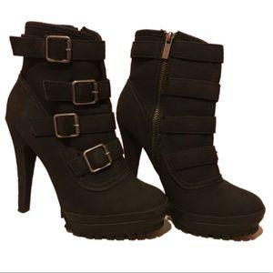 Ann Michell Shoes - 🌺SALE🌺 Black Platform Ankle Boots
