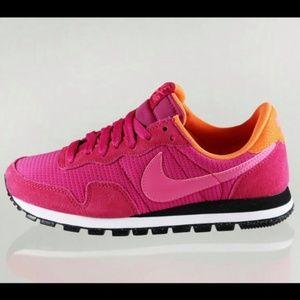 Nike Women Air Pegaus 83