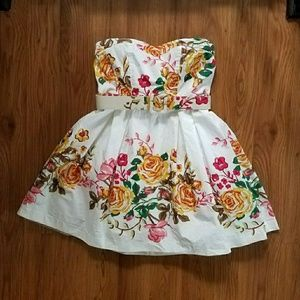 Forever 21 Dresses & Skirts - xxi Sweetheart white floral garden party dress