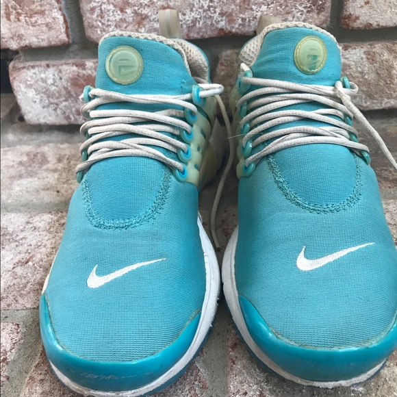 Womens Nike Air Presto Chlorine Blue White Size XS.  M 593800e54127d05256070f4b a65e31b9aa