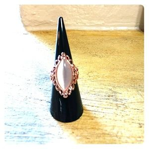 Jewelry - Closet clear out Rose gold statement ring nwot