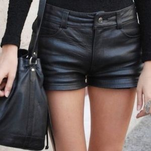 HP 💕 Blaque Label Lamb Leather Shorts worn 1x Med