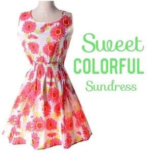 Dresses & Skirts - ☀️Beautiful pink and green floral sundress