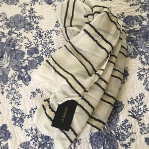 NWT Forever 21 Scarf