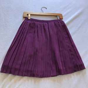 Uniqlo pleated skirt.