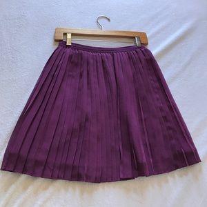 Dresses & Skirts - Uniqlo pleated skirt.