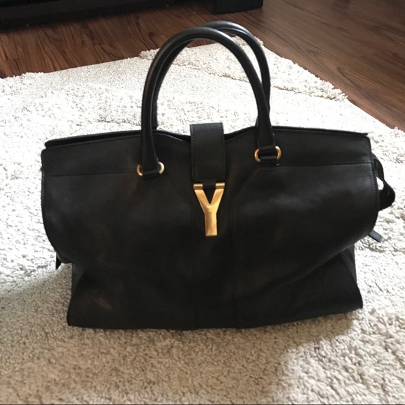 34fb047156e2 Yves Saint Laurent Chyc Cabas Tote Large Black. M 59382a1b36d5948a0907739f