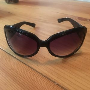 Oliver Peoples Accessories - Oliver Peoples sunglasses
