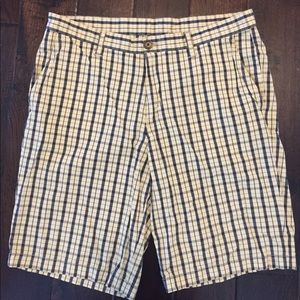Penguin Men's pastel yellow check shorts EUC