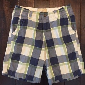 Hollister Men's canvas shorts Almost new