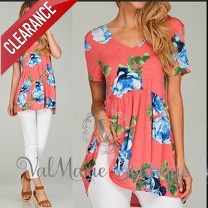 📍CLEARANCE 📍Gorgeous Salmon Floral Top