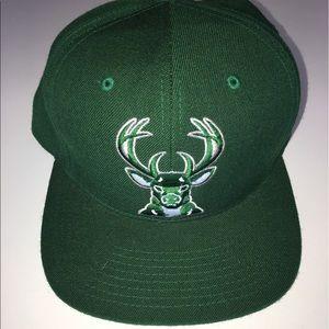 Mitchell & Ness Other - Mitchell and Ness Milwaukee Bucks SnapBack OSFA