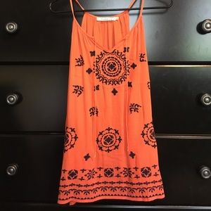 solitaire Tops - NWOT Orange tank top with navy blue