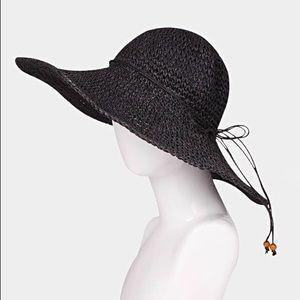Accessories - 1HR SALE NWT FLOPPY STRAW SUN HAT - BLACK