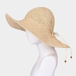 Accessories - NWT FLOPPY STRAW SUN HAT - BEIGE