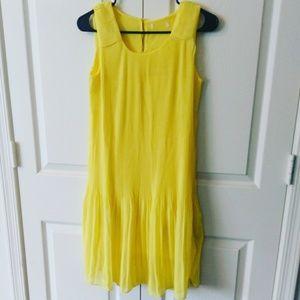 Dresses & Skirts - Yellow summer flowy dress