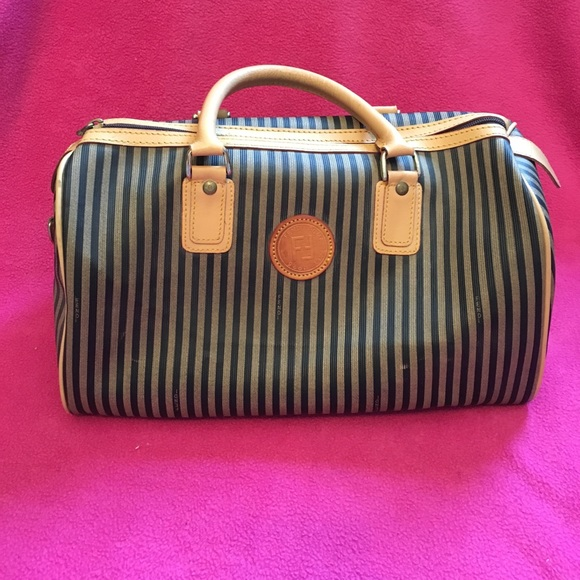 Fendi Handbags - Vintage Fendi Roma Italy 1925 purse 8a6243dc44318