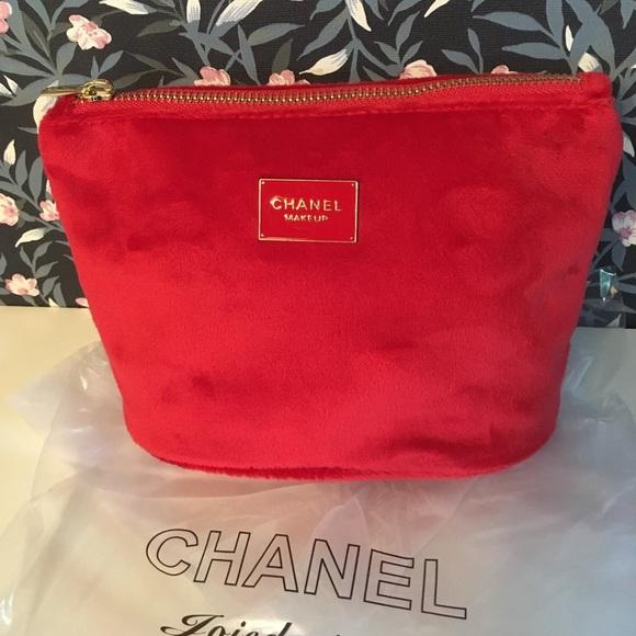 fa8b6ff0db4c CHANEL Handbags - NWOT Chanel red velvet makeup bag