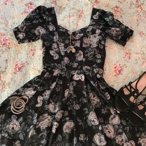 Laura Ashley Dresses & Skirts - Gorgeous vintage Laura Ashley dress