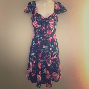 Band of Gypsies Dresses & Skirts - Band of Gypsies Floral Knot Dress XS Extra Small