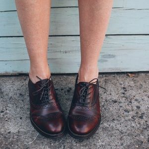 Wolverine leather Oxford shoes burgundy Sz 6.5