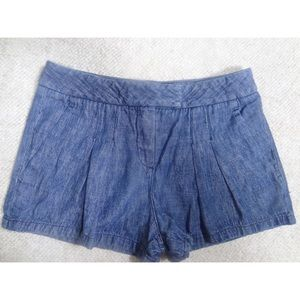 Theory Pants - Theory front pleated low rise chambray shorts 0