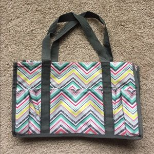 thirty one Handbags - NWOT Thirty one small utility tote