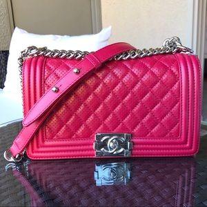 $4,400 CHANEL MEDIUM BOY BAG PINK PERFORATED