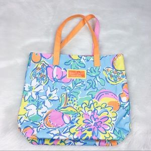 Lilly Pulitzer Handbags - Lilly Pulitzer for Estee Lauder Tote