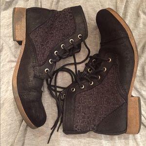 Shoes - Black/crochet lace accent ankle boots