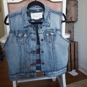Shyanne Jackets & Blazers - Jean Vest
