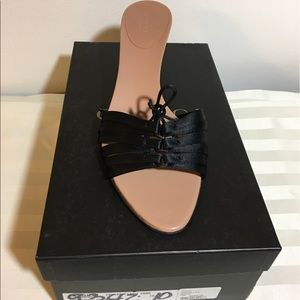 Gucci Shoes - 🎉Flash 1 Day Sale🎉 Authentic Gucci Heels Sandals