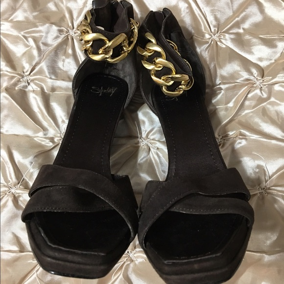 Find new and preloved Nine West Studio items at up to 70% off retail prices. Poshmark makes shopping fun, affordable & easy!