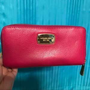 Michael Kors zip wallet