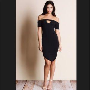 Aluna Levi Dresses & Skirts - HOST PICK💗AMAZING OFF THE SHOULDER KEYHOLE DRESS