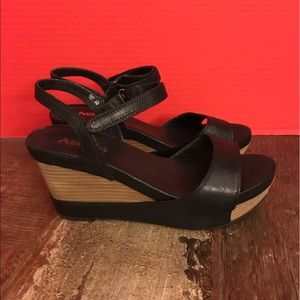 Antelope Shoes - Cute Antelope Wedge Sandal.