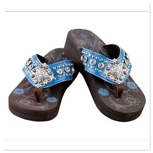 🌺Coming🌺 Montana West Concho Wedge
