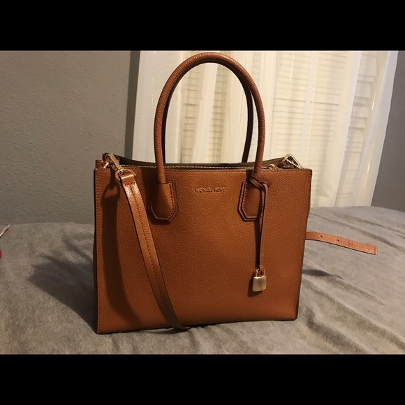 76cc2e21c787e Michael Kors Mercer Large Leather tote in luggage.  M 593917005a49d01cbc027b59