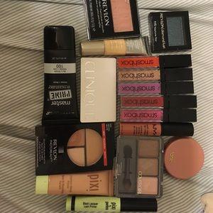 Makeup bundle!!!!