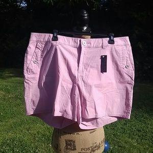 Lane Bryant Pants - 🌸NWT 😘Lane Bryant size 18 shorts