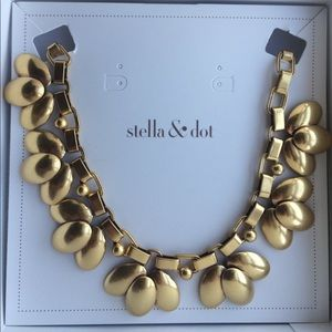 Stella & Dot Jewelry - NWT Stella & Dot Gold Hazel Statement Necklace
