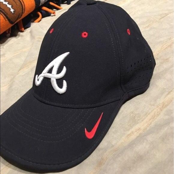 Nike Atlanta Braves Hat. M 5939566636d594387c02e9d8 400c7e1b8f6