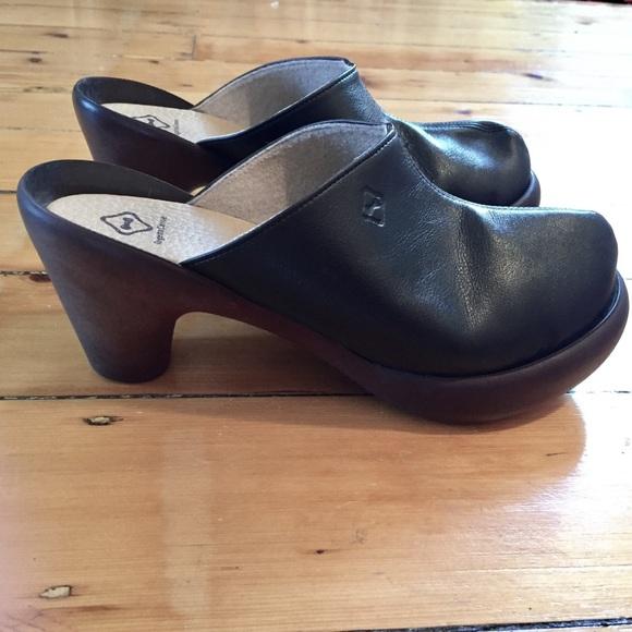 85% Off Regetta Canoe Shoes - Regetta Canoe Black Leather Japanese Clogs From Stefu0026#39;s Closet On ...