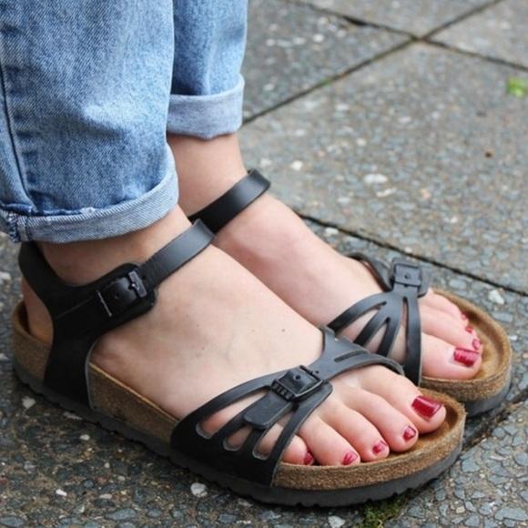 NWT Birkenstock Bali sandals in box (black) NWT